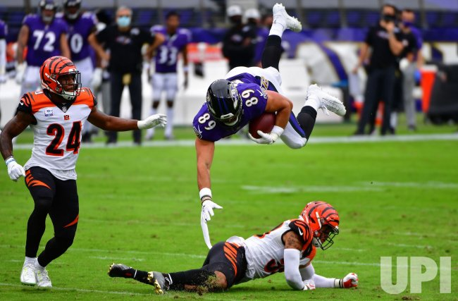Ravens' Mark Andrews upended by Bengals at M&T Bank Stadium