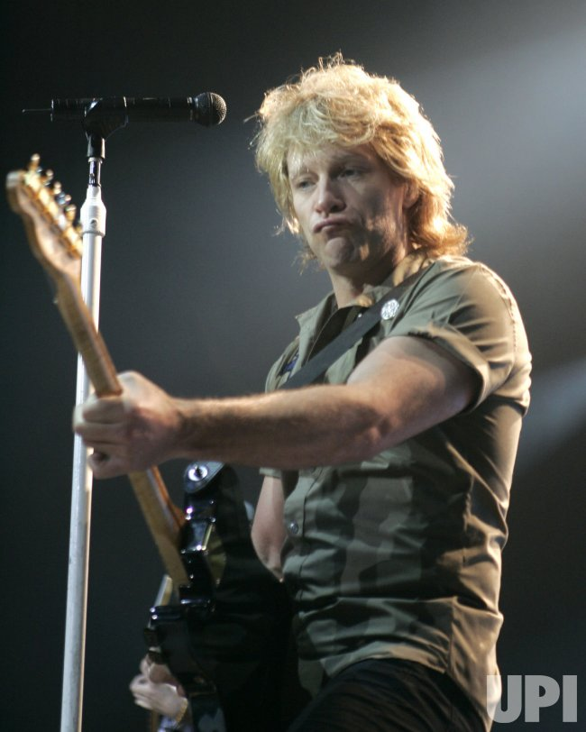 BON JOVI PERFORMS IN CONCERT