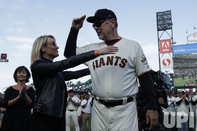 San Francisco Giants manager Bruce Bochy retires