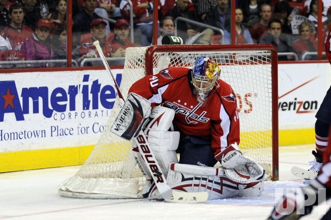Semyon Varlamov Makes a Save in Washington, DC