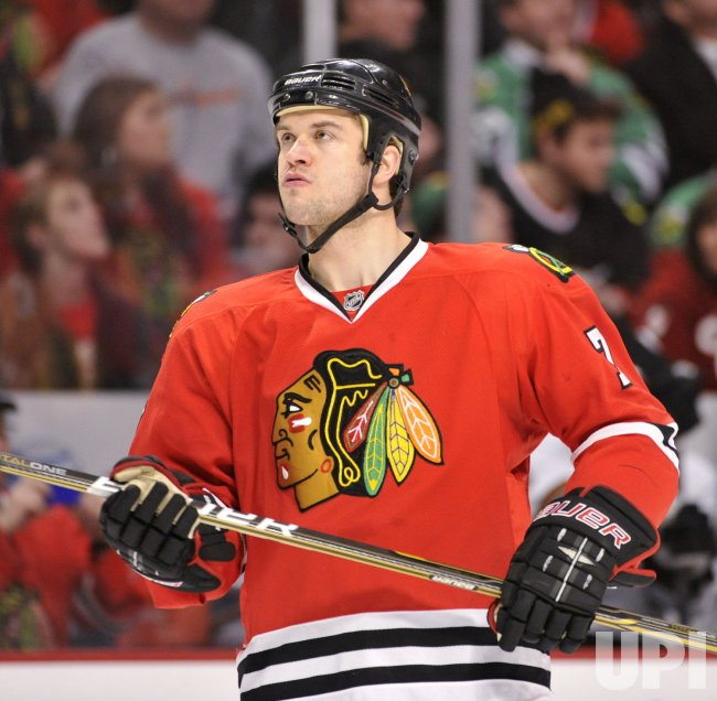 Blackhawks Seabrook skates against Sharks in Chicago