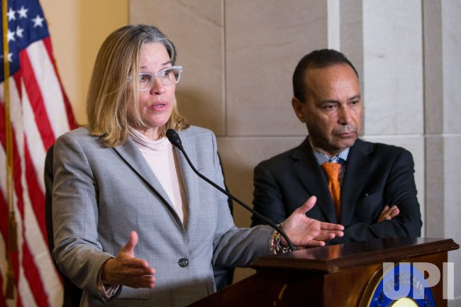 House Democrats and San Juan Mayor Carmen Yulin Cruz