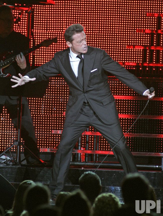 Luis Miguel performs in concert in Miami