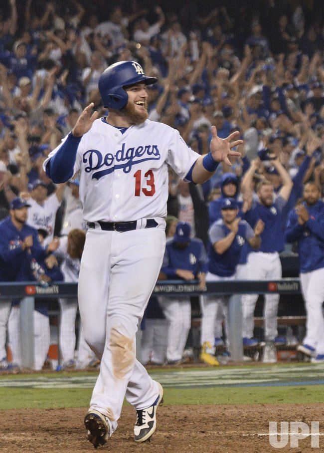 Dodgers Muncy ties game in thirteenth inning in Game 3 of the World Series