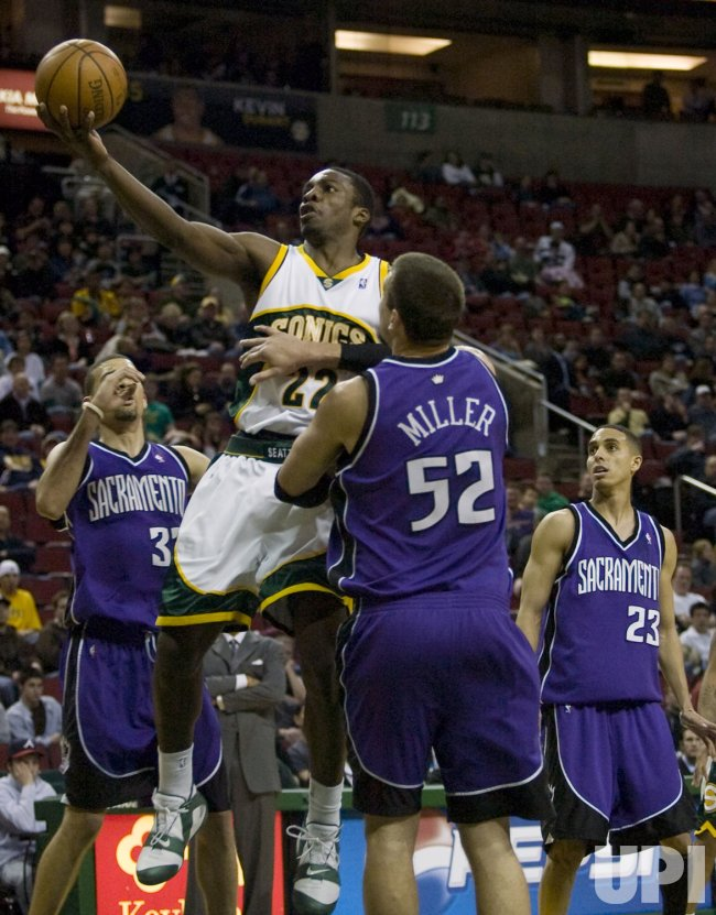 Sacramento Kings vs Seattle SuperSonics