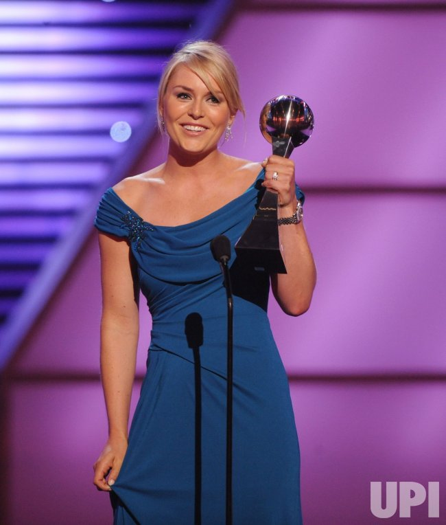 Lindsey Vonn accepts award at the 2010 ESPY Awards in Los Angeles