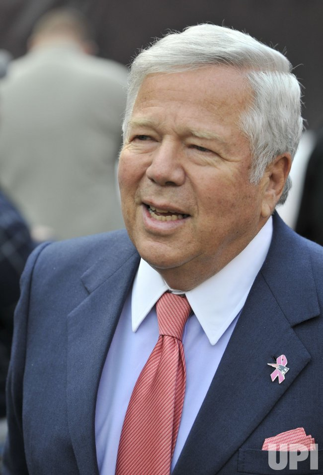 Patriots Kraft on Sidelines in Cleveland