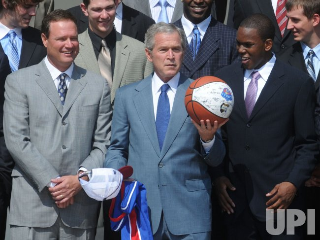 Bush welcomes 2008 NCAA basketball champions Kansas University to the White House