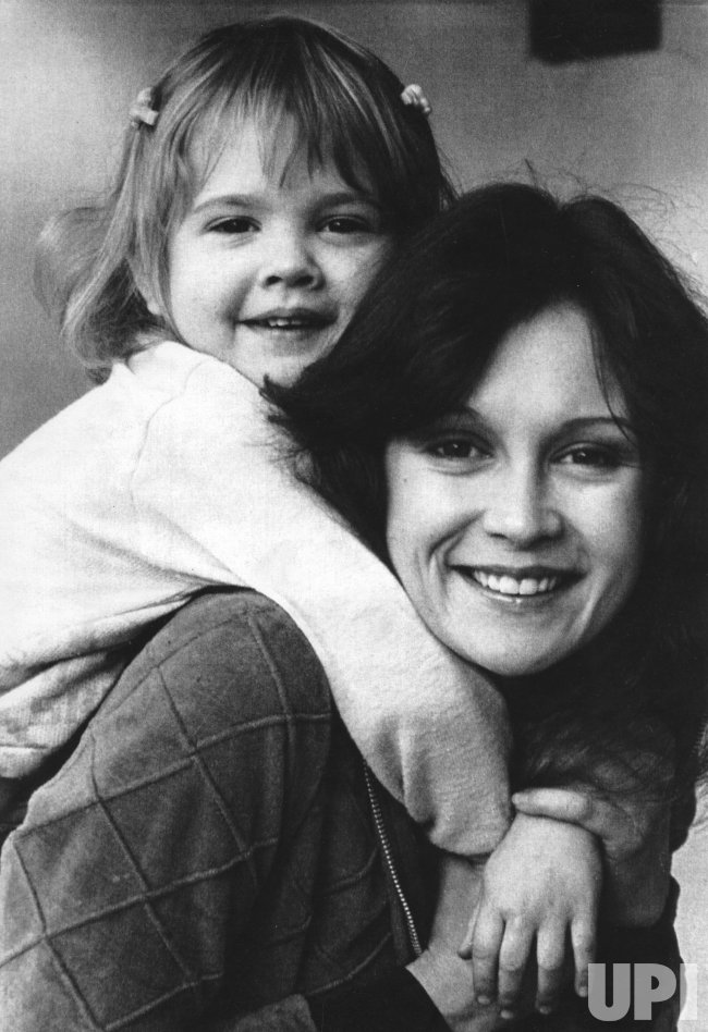 Drew Barrymore with her mother Ildiko Jaid