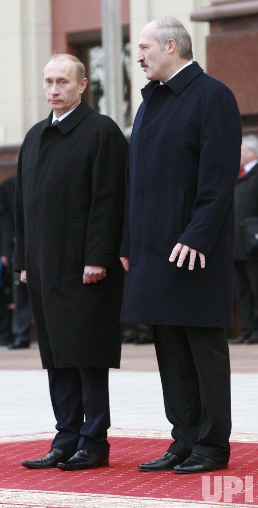 Russian President Putin meets with Belarusian counterpart Lukashenko in Minsk