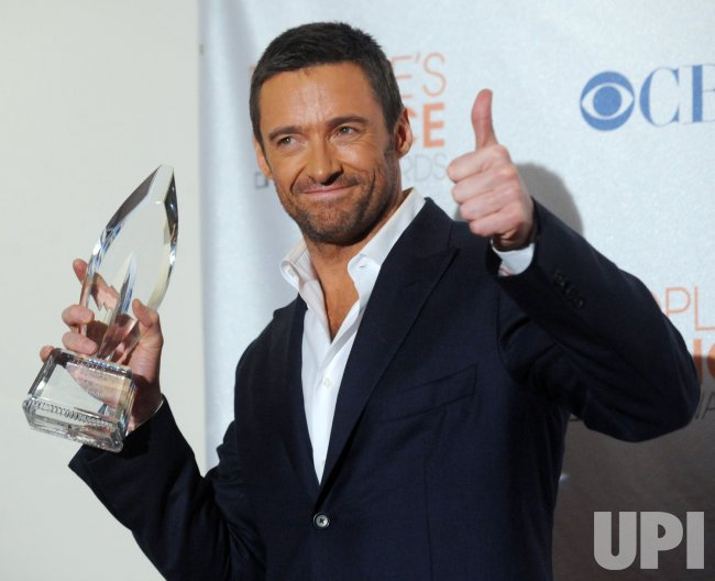 Hugh Jackman garners award at the 2010 People's Choice Awards in Los Angeles