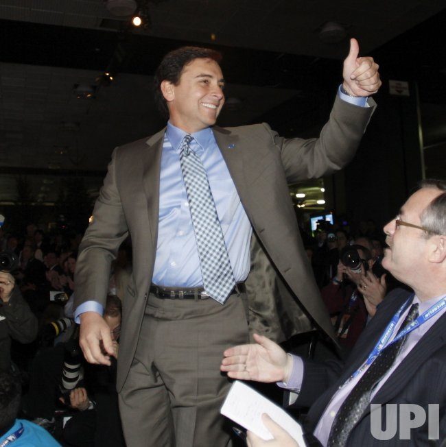 Mark Fields gives thumbs-up at the 2010 NAIAS in Detroit, Michigan