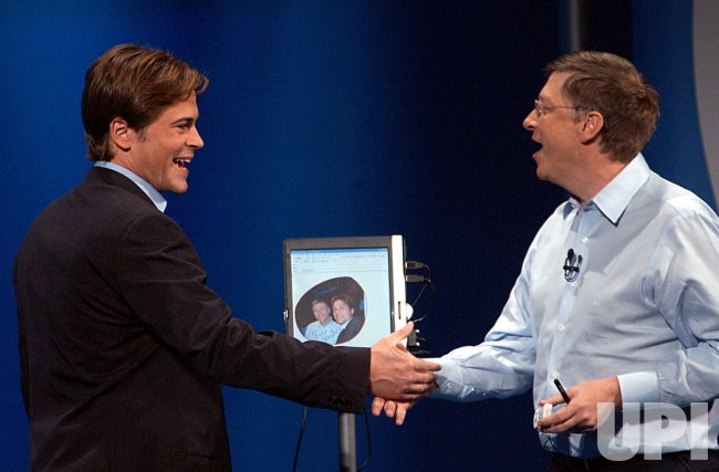 Rob Lowe helps Bill Gates unveil Microsoft's new Tablet PC