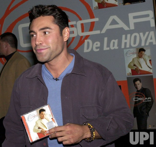 BOXER OSCAR DE LA HOYA MAKES SINGING DEBUT