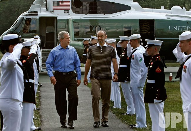 Bush greets Crown Prince of Abu Dhabi at Camp David