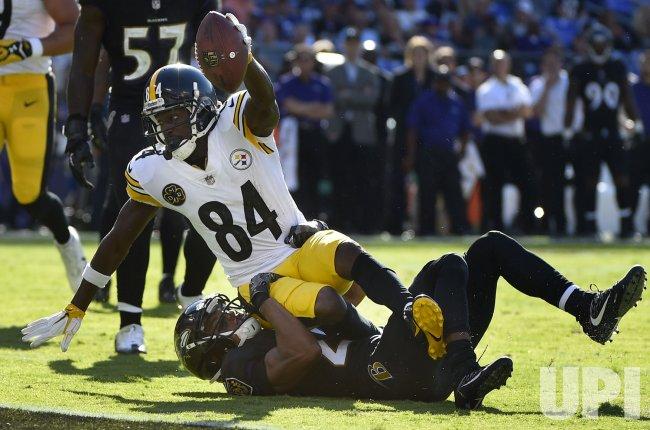 Steelers Antonio Brown runs to 2-yard line against Ravens Marlon Humphrey