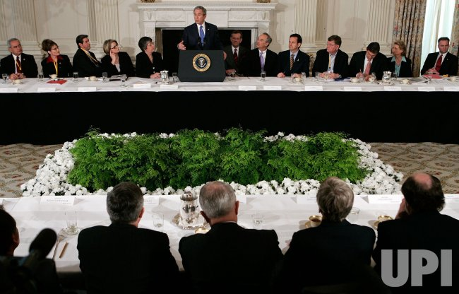 Bush Meets With Members Of National Governors Association