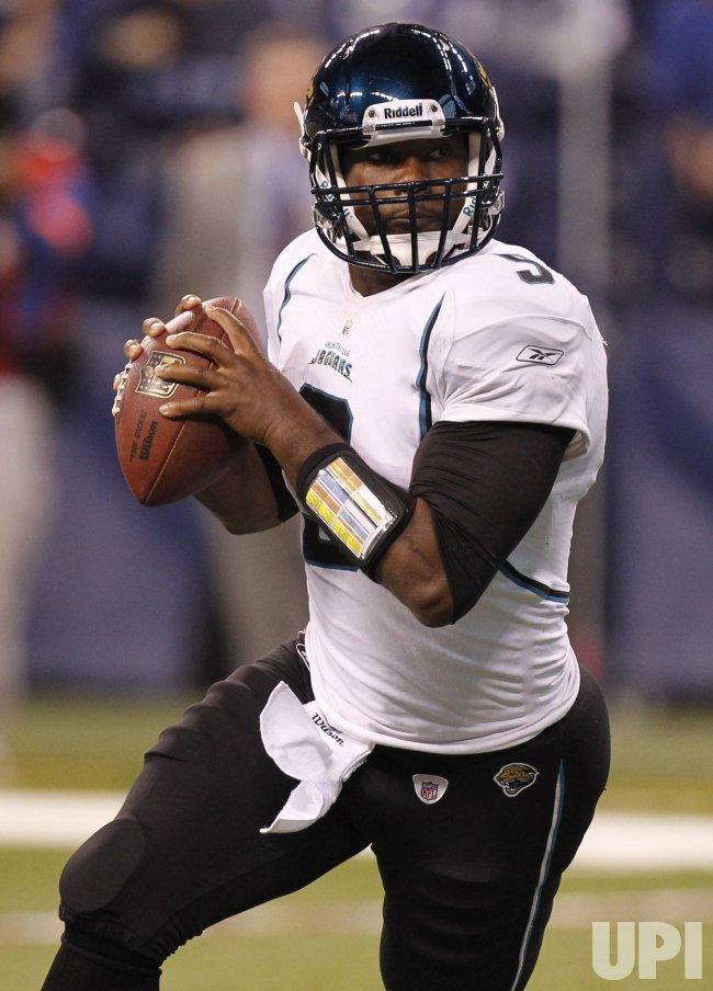 Jaguars Garrard Scrambles Against Colts