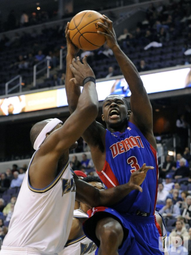 Pistons Stuckey fouled by Wizards Haywood in Washington
