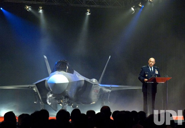 F-35 LIGHTNING II MAKES DEBUT