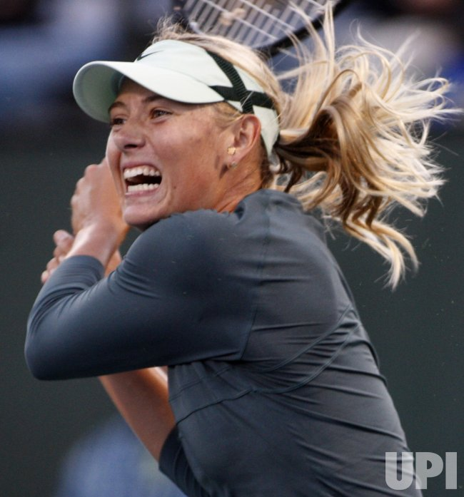 Maria Sharapova defeated by Venus Williams in Bank of the West Classic tennis at Stanford University in California