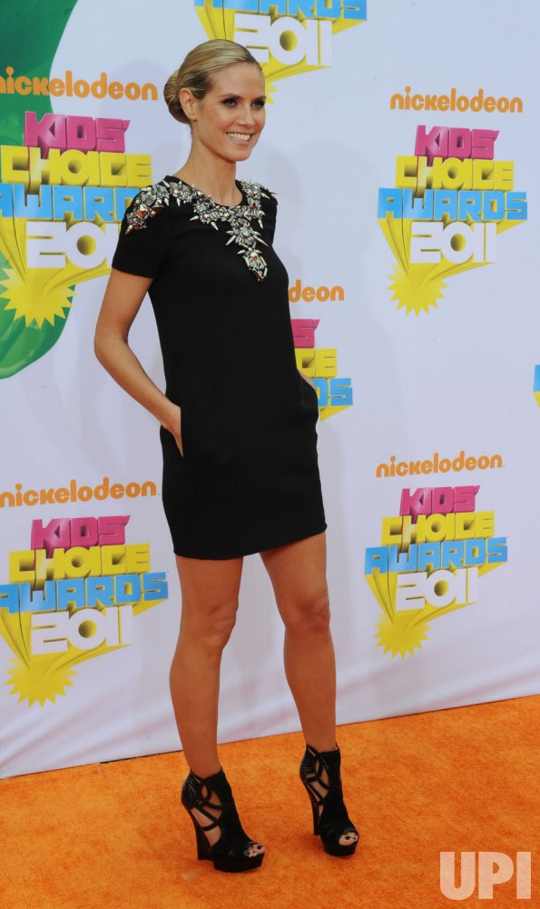 Heidi Klum arrives at the Nickelodeon Kids Choice Awards in Los Angeles
