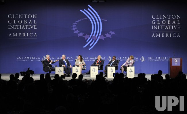 Clinton, Barbour, Cvejic, Peterson, Thurmond and Tyson participate in Panel at CGI America in Chicago