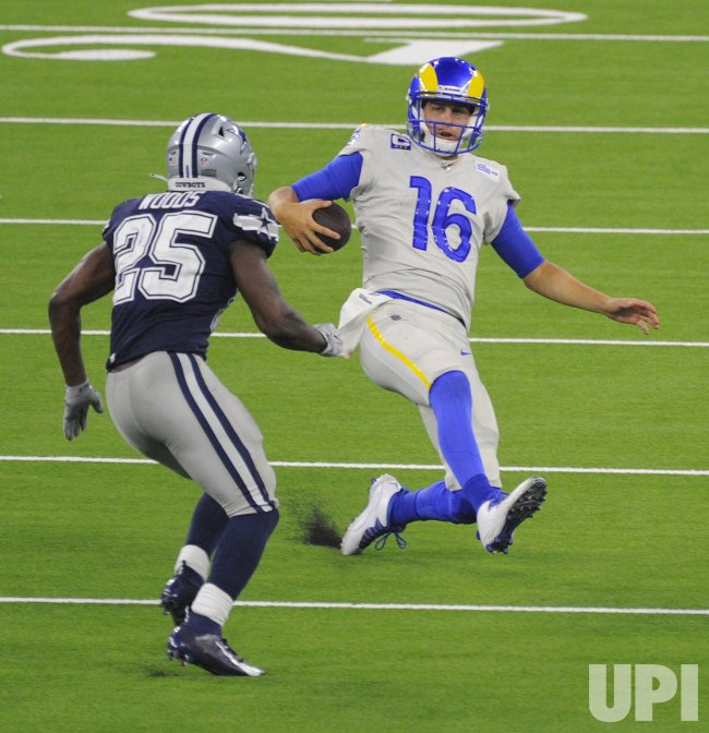 Rams Jared Goff Avoids Getting Tackled By Cowboys' Xavier Woods
