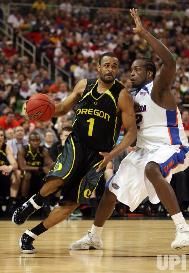 NCAA MIDWEST REGIONAL- OREGON DUCKS VS FLORIDA GATORS