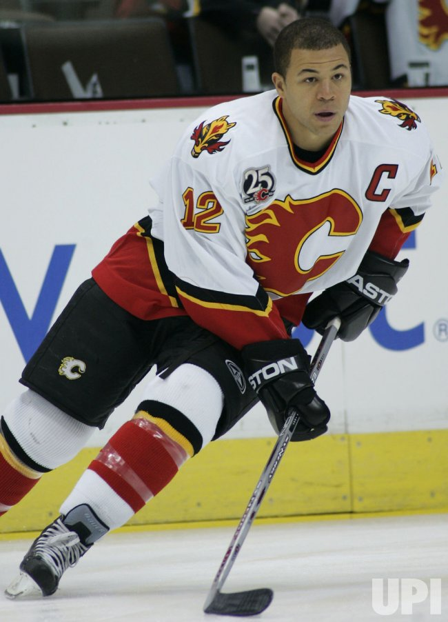 NHL CALGARY FLAMES VS COLORADO AVALANCHE