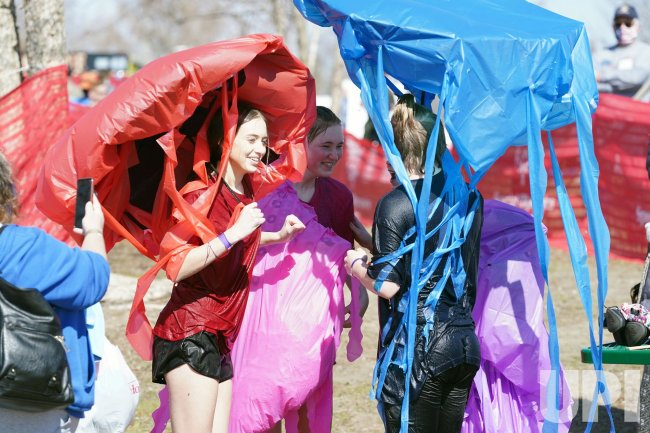 Polar Plunge Benifits Special Olympics Of Missouri