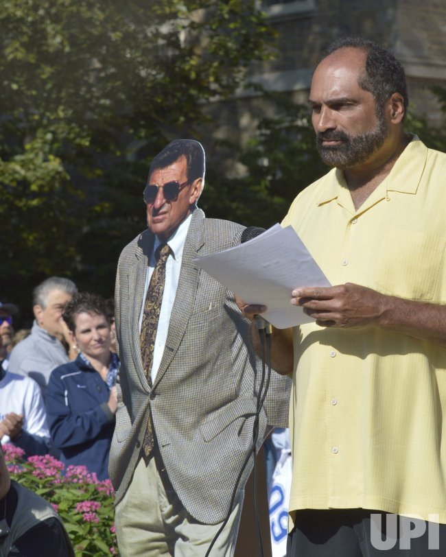 Franco Harris Speaks at Rally at Penn State University