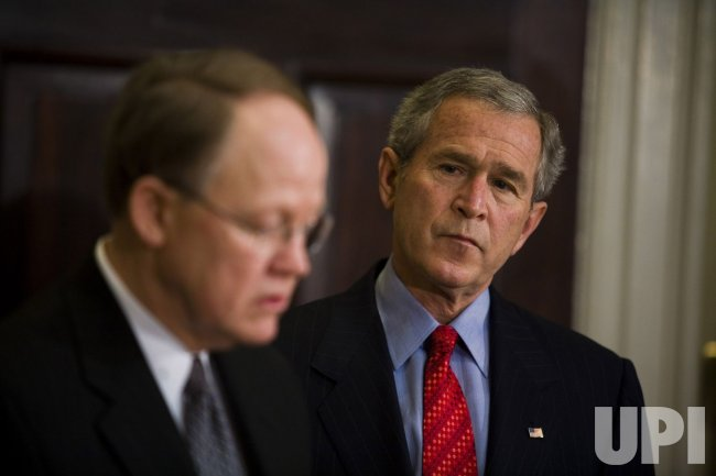 BUSH TAPS MCCONNELL TO REPLACE NEGROPONTE AS INTEL CHIEF