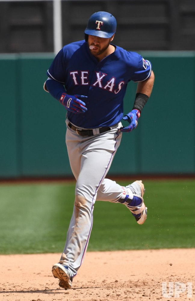 Rangers Joey Gallo homers against A'sl in Oakland