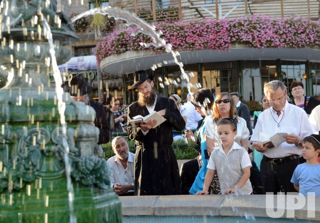 Jews Perform The Tashlich Ritual On Rosh HaShanah, Jerusalem