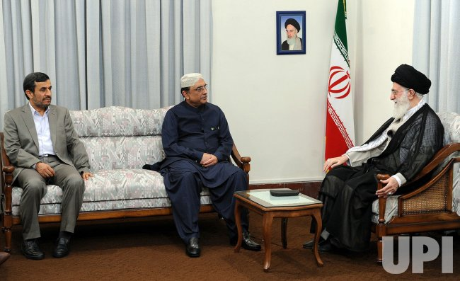 Pakistan President Asif Ali Zardari meets with Iran's Leader in Tehran