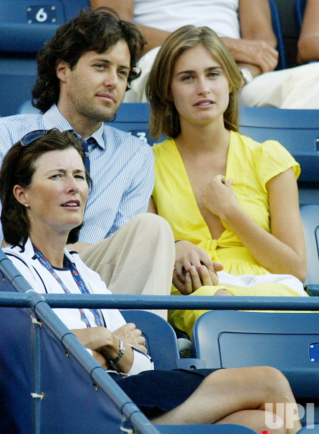 BUSH AND LAUREN WATCHES US OPEN TENNIS