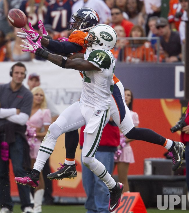 Jets Cromartie Breaks Up Pass Intended for Broncos Lloyd in Denver