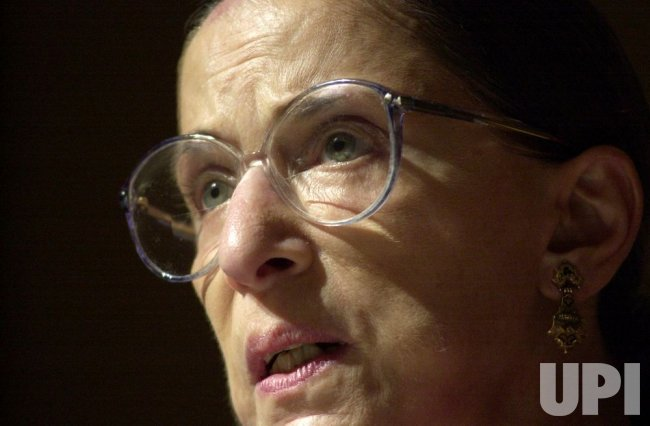 Justice Ginsburg receives Faith and Humanities Award