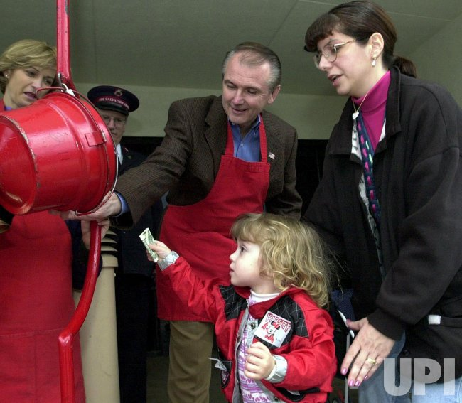 Governor rings Salvation Army bells