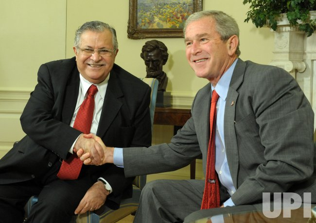 Bush meets with Iraqi President Jalal Talabani at White House
