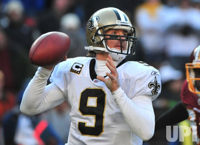 Saints quarterback Drew Brees passes in Washington