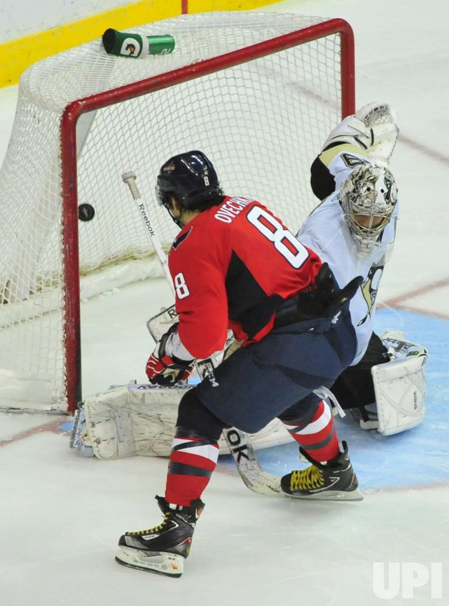 Washington Capitals Alex Ovechkin scores in Washington