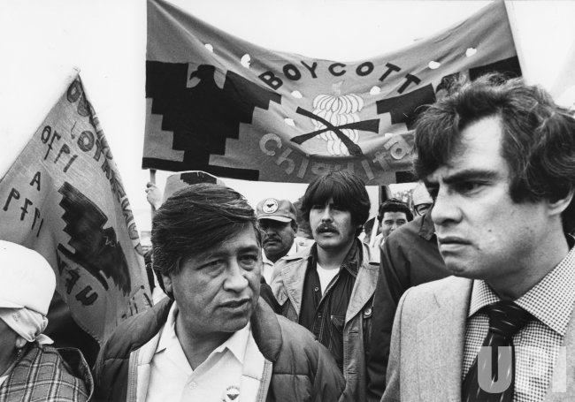 United Farm Workers President Cesar Chavez protest outside supermarket in San Francisco