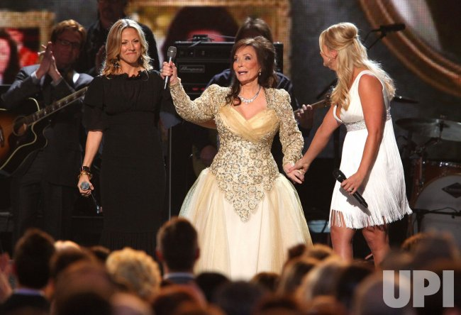 Sheryl Crow, Miranda Lambert and Loretta Lynn perform during the Country Music Awards in Nashville