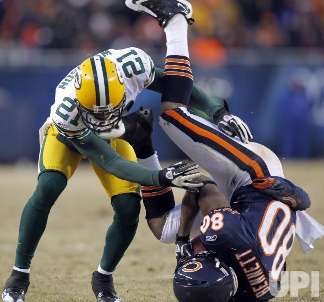 Bears Bennett Upended by Packers Woodson