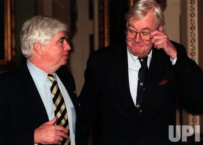 Senators Dodd and Moynihan walk to the Senate