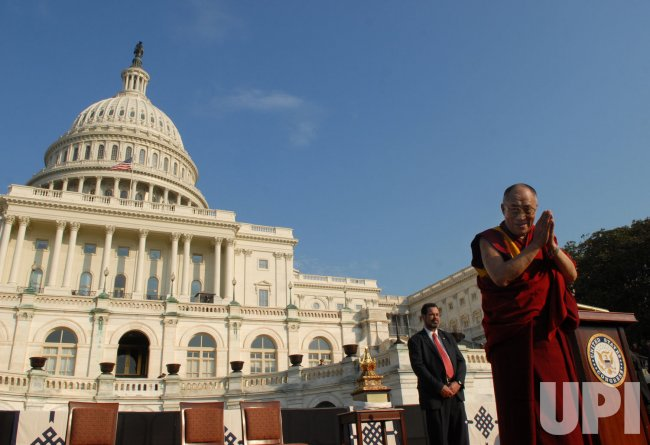 Dalai Lama awarded Congressional Gold Medal in Washington