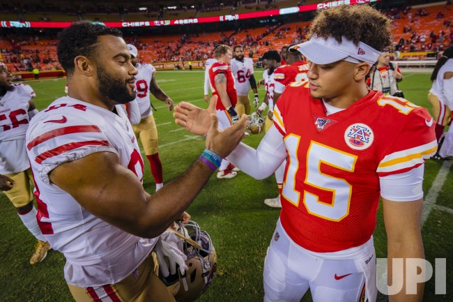 super popular 0463f ad8bb Chiefs Patrick Mahomes and 49ers Kendrick Bourne greet each ...