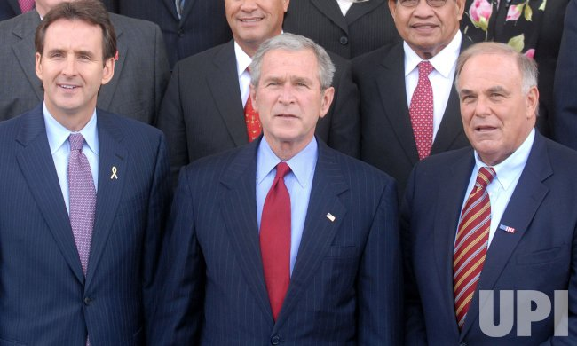 Bush meets with Governors at the White House in Washington